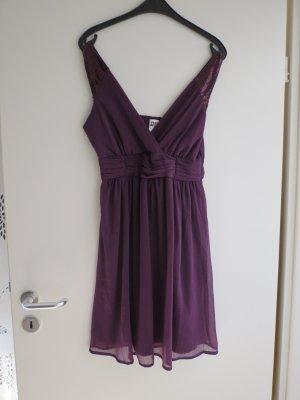 Kleid von Vero Moda in Dunkellila
