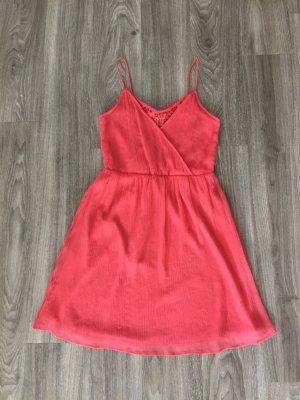 Kleid von Vero Moda mit Spitze