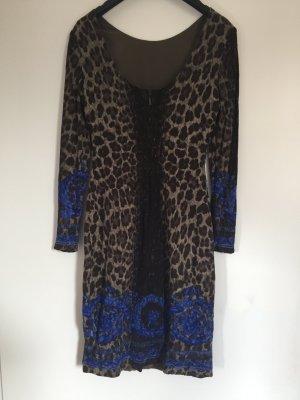 Kleid von Versace. Original