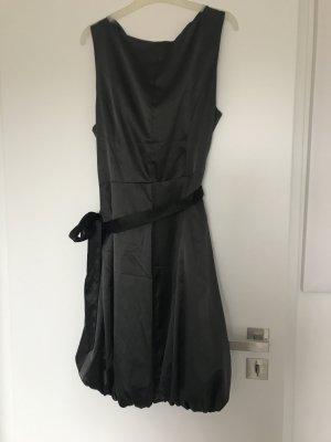 Kleid von Vila in Grau