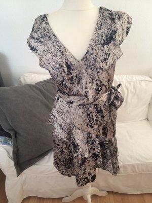 Kleid von Vince Camuto