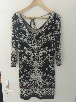 Kleid von White House Black Market