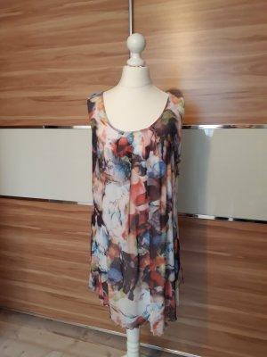 Kleid von Yest