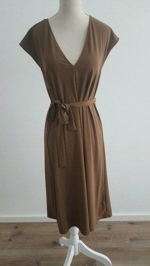 Kleid von Zara. Aktuelle Kollektion Gr.S