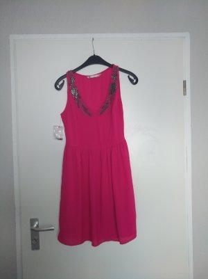 Kleid von Zara in Hot Pink