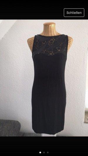 Kleid von Zara in schwarz