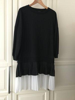 Kleid von Zara, oben mit Sweatshirtlook