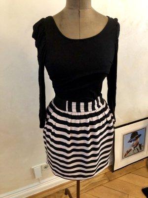 Kleid von Zara Rockkleid