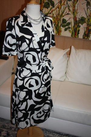 H&M Vestido cruzado blanco-negro tejido mezclado