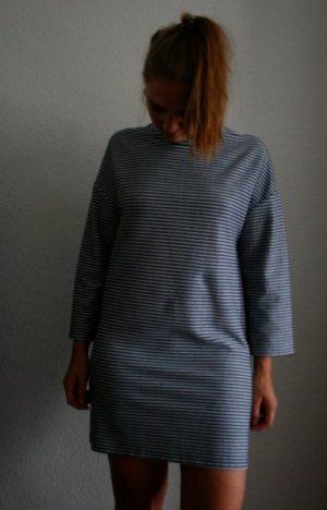 Kleid Zara mit leichtem Stehkragen S