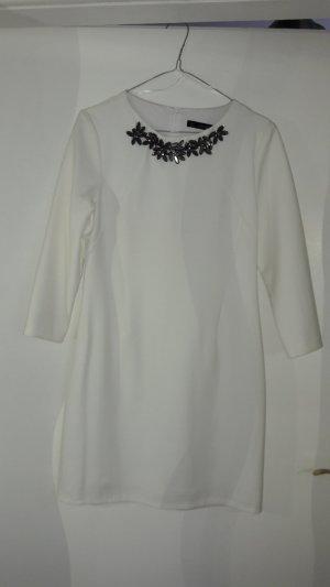 Kleid Zara weiß mit Schmuckkragen