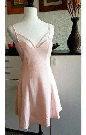 Kleidchen in baby-rosa/ kurz