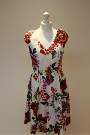 Kleidchen mit floralem Print