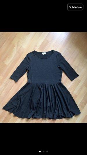 Kleidchen von Apricot