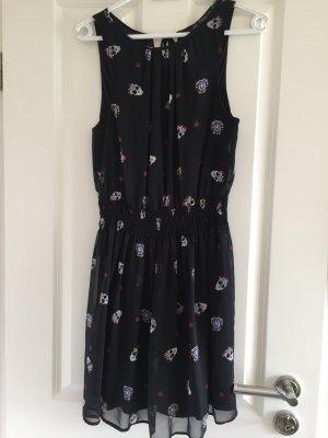 Kleidchen, Zara Gr. L  Skull
