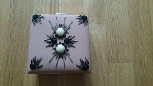 kleine Abendtasche von H&M Conscious Collection