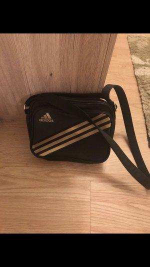 kleine Adidastasche