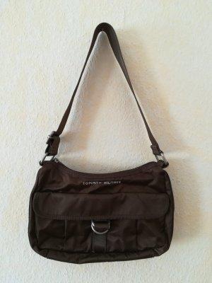 Kleine braune Handtasche von Tommy Hilfiger