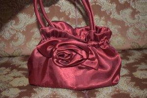Kleine Handtasche aus Satin mit Rose weinrot !!!!NEU!!!