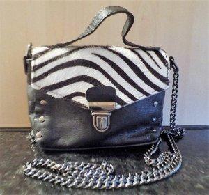 Vera Pelle Handbag black-white