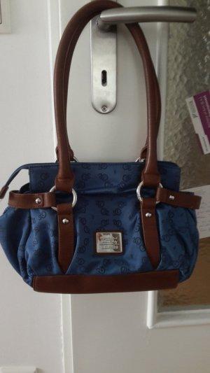 kleine Handtasche für die wichtigsten Dinge