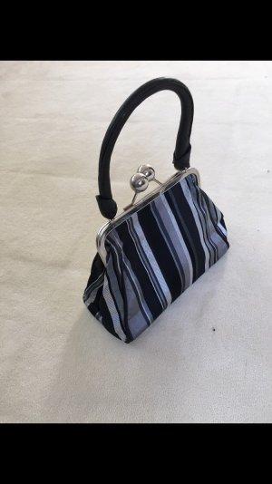 Kleine Handtasche grau gestreift