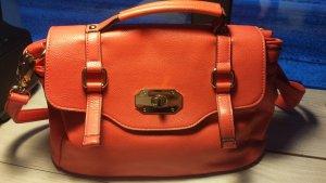 kleine Handtasche mit goldenen Details