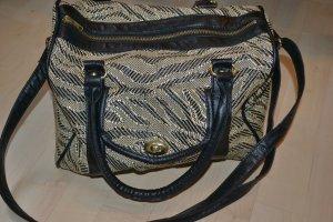Kleine Handtasche mit Streifenmuster