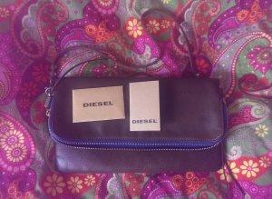 kleine Handtasche von DIESEL mit Nieten und Fransendetails