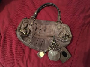 Kleine hellbraune Handtasche mit Anhängern ORIGINAL by Malene Birgen