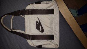 Kleine Nike Handtasche