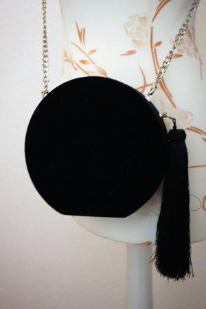 kleine, runde, schwarze Tasche aus Samt von Mango