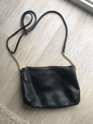 Kleine schwarze Crossbody-Bag mit goldenen Details