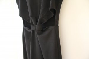 Kleine Schwarze Cut-Out Dress von Love