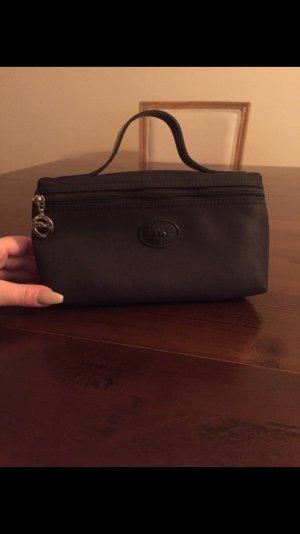 kleine schwarze Longchamp Blogger Schminktasche Federtasche