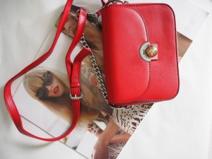 Kleine STATEMENT-Bag in rot mit Ketten-Riemen NEU!