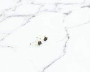 Kleine süße goldene Ohrringe NEU