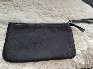 Kleine Tasche Clutch Handtasche in schwarz von Tommy Hilfiger