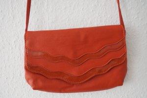 Kleine Tasche / Clutch in Sommerfarbe Koralle von Dorothy Perkins