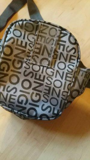 kleine Tasche für unterwegs