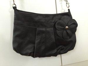 kleine Umhängetasche aus Lederimitat schwarz mit Blume