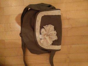 Kleine Umhängetasche khaki mit Spitzenblume NEU