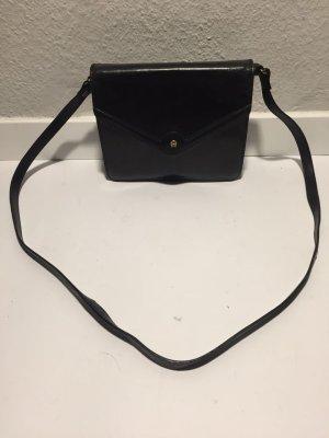 Kleine Vintage AIGNER Handtasche schwarzes Leder