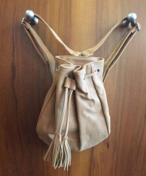 Kleiner Rucksack Monki braun fransen Backpack