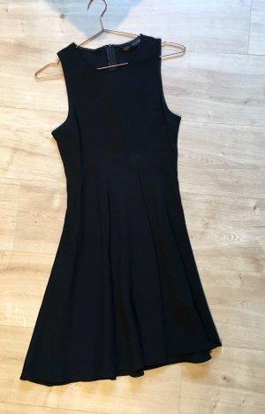 Kleines Schwarze von Zara 34