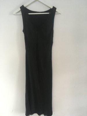 Kleines Schwarzes Abendkleid. Edel und sexy!