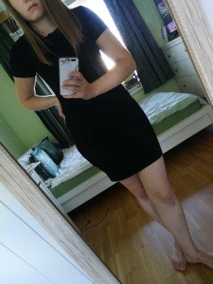 Kleines Schwarzes enges Kleid/ Kurzarm // UNGETRAGEN