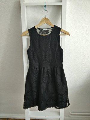 Kleines Schwarzes Kleid, Spitze, Cocktail, Blumenmuster, Etui, Urban Outfitters