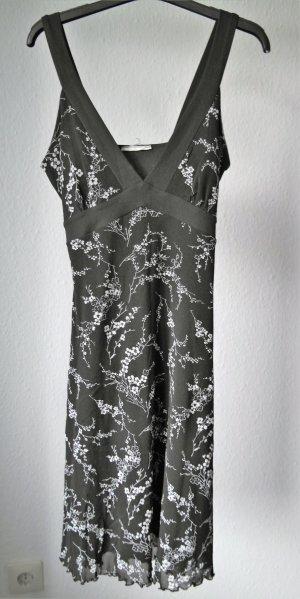 Kleines Schwarzes mit floralem Print von Clockhouse Größe 38