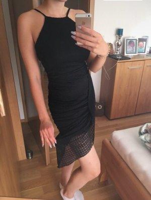 Kleines Schwarzes Partykleid